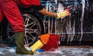 lavado a mano coches
